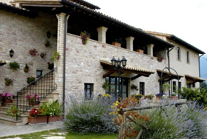 Spello-Italy-country-house